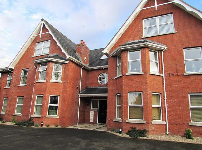 Flat 5, 48 Marlborough Park South, Malone Road, Belfast, BT9 6HS, Belfast