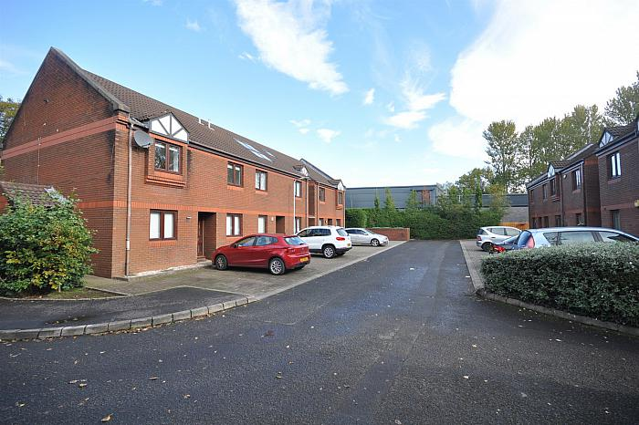 10 Kings Court, Upper Lisburn Road, Belfast, BT10 0AF, Belfast