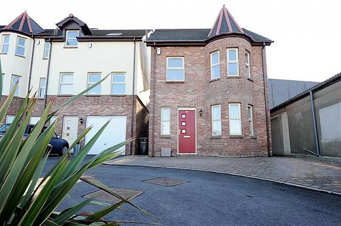 10 Cedar View, 130a Upper Knockbreda Road, Belfast, BT6 9TH