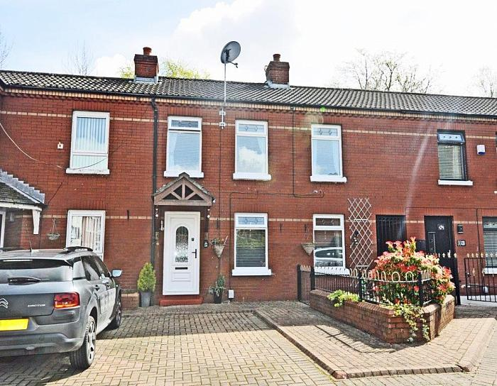 28 Iverna Close, , Belfast, BT12 5QQ, Belfast