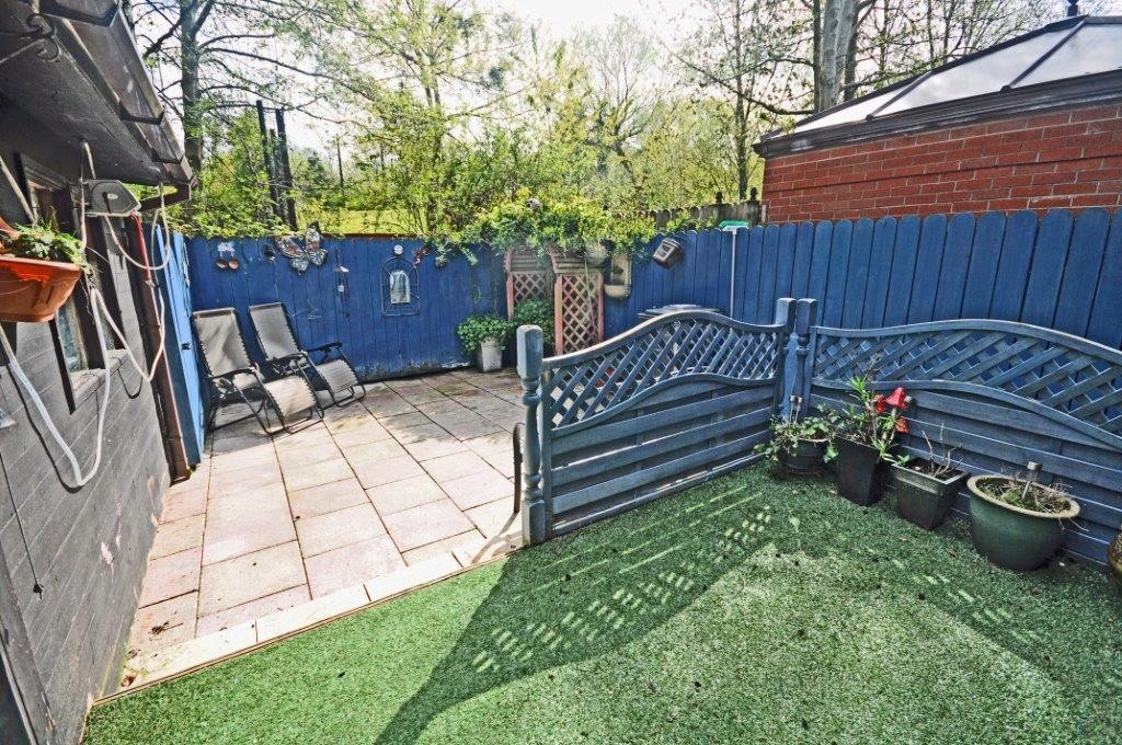 28 Iverna Close, , Belfast, BT12 5QQ