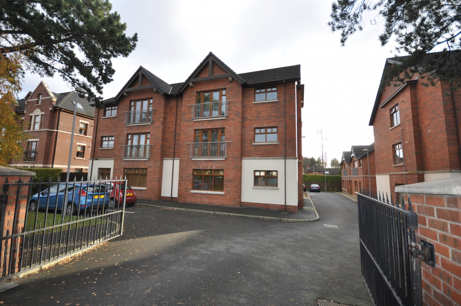 6 Greenwich Mews, Upper Lisburn Road, Belfast, BT10 0FL